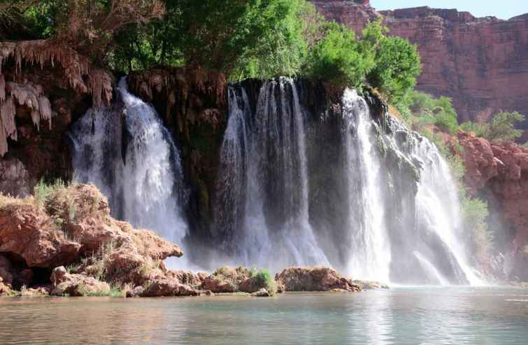 Водопад Хавасу (Havasu Falls) в Гранд Каньоне