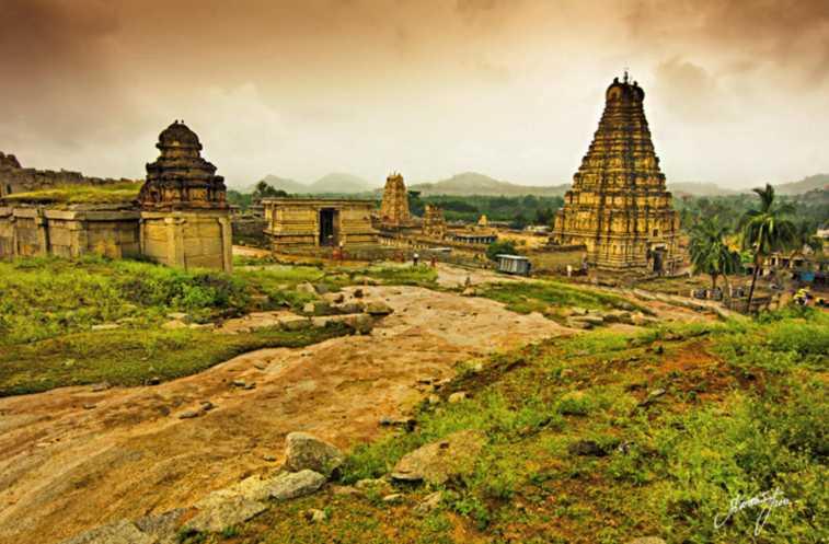 Лабиринты храма Боулдеринга в Индии